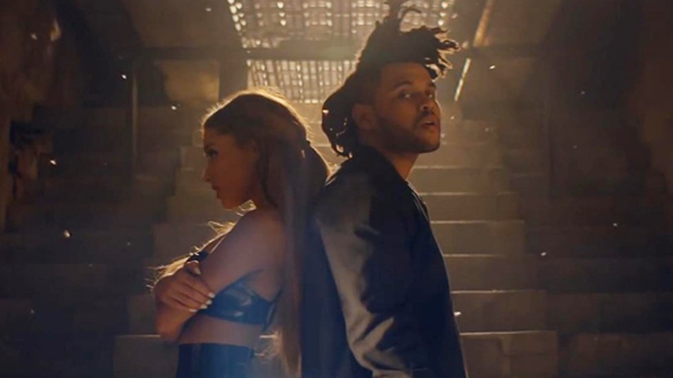 "Ariana Grande och The Weeknd i videon till låten ""Love me harder""."