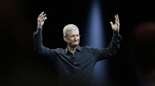 Apple, Tim Cook, Komma ut, Homosexualitet