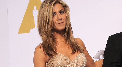 Jennifer aniston at hundmat