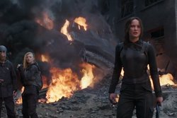 Jennifer Lawrence,  Katniss Everdeen, Hunger Games,  Mockingjay, Trailer, Brinna