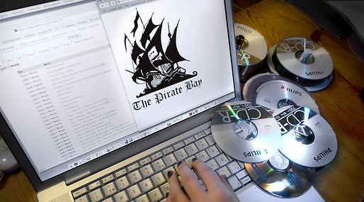 tillbaka, Polisrazzia, The Pirate Bay